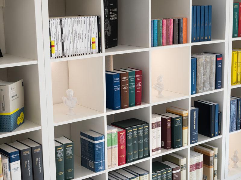 libri scaffali libreria cocco cagliari